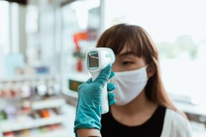 Czy termometr bezdotykowy warto kupić?